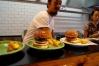 ビーチヒルフードワークスで本格ハンバーガーを食べてきた。